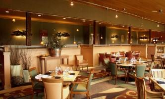 Copper-River-Princess-Two_Rivers_Restaurant-ph7lux