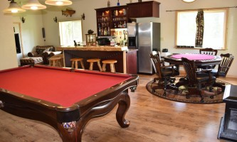 Northwoods-Lodge-Game_room_2018-pfb6e1