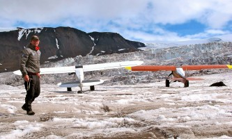 Ultima_Thule_Lodge-Paul_Claus_on_flight_safari-oklz4p