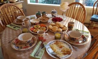 2016-breakfast_1-o588w8
