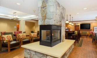 Hampton-inn-ancakhx-lobby-fireplace_9514_copy-p10ke3
