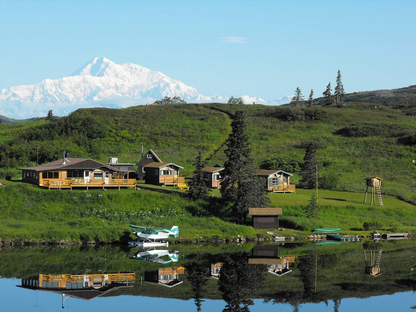 Sit back & enjoy where the tundra meets the taiga at this bed & breakfast