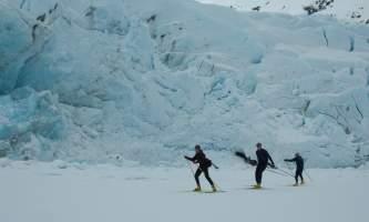 2006 04 16 portage lake skate skiing 02 mvt5xv