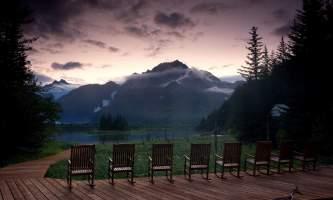 2018-28-Sunrise_on_the_Deck_at_Kenai_Fjords_Glacier_Lodge-pdvqym