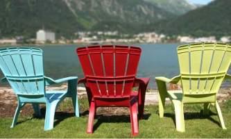 3_chairs_on_beach-nu0tc0