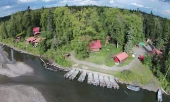 Alaskas-Wilderness-Place-Lodge-DJI01024-o1mupo