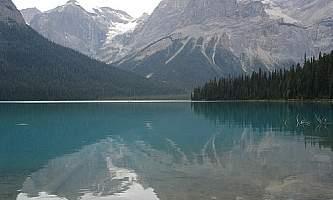 Emerald-Lake-Loop-Trail-01-mxq5dx