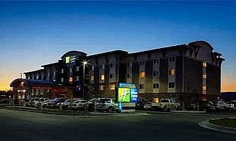Holiday-Inn-Express-Fairbanks-05-n3qg0q