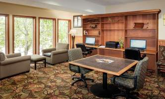 Holiday_Inn_Express_Anchorage-HIE_Business Center_28629-nj9w0h