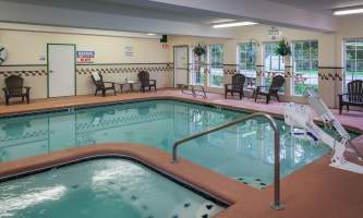 Holiday_Inn_Express_Anchorage-HIE_Pool Area-nj9vzx