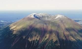 Mt-Edgecumbe-Trail-01-mvi5bx