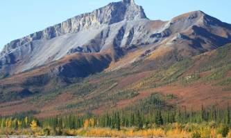 Alaska 4x4 rental mountain colors pgp6lt