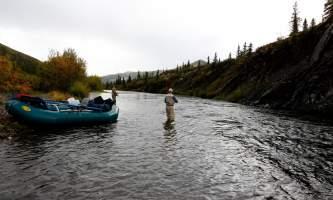 Aniak-air-guides-Scenery-_16_Bank_Fishing-pmesud