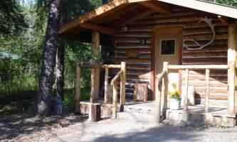 Carlo-creek-lodge-Historic_Cabin_2-odysnw