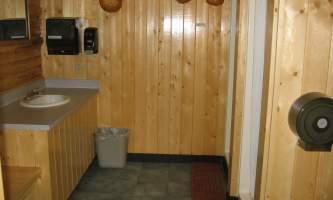 Carlo-creek-lodge-Shower_house_interior-odyson