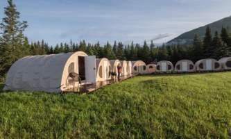 Great-alaska-bear-camp-Great-Alaska-Bearcamp-tents-in-sun-phucok