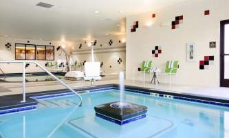 Homewood-suites-anchwhw-pool-fountain_9926_copy-p10ktk