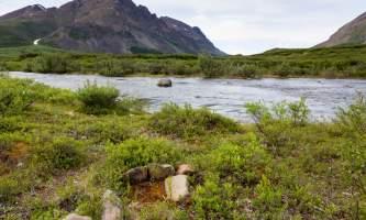 Landmark-gap-lake-trail-north-denali-highway-816A3524-o9f4sn