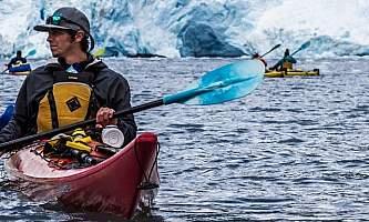 Millers-landing-Kayaking_in_Aialik_Bay-ohiuxn
