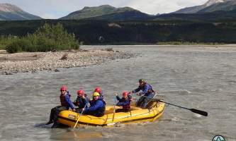 Traverse-alaska-winter-activities-MF201707260001-2-pks1ci