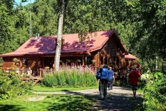 Alaskas-Wilderness-Place-Lodge-alaska-fishing-lodge-o1mojq
