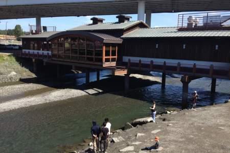 Bridge Seafood Restaurant