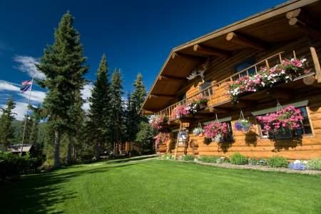 Iniakuk_Lake_Wilderness_Lodge-20-nxxi7z