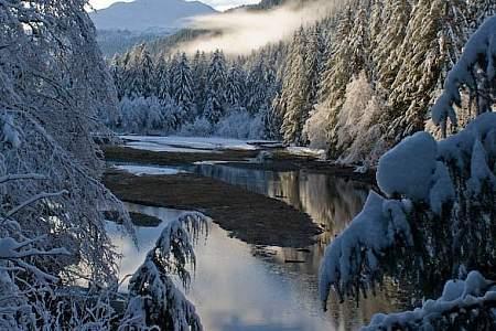 Salmon Lake Redoubt Lake Trail