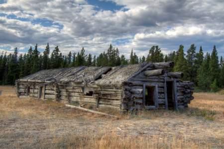 Robinson Roadhouse Hist Site (mi 86.4)