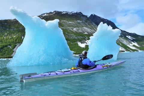 Paddle near icebergs in Glacier Bay