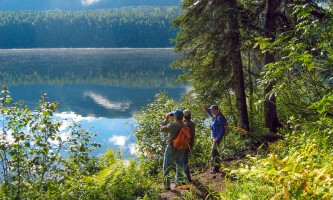 Alaska Nature Guides Byers lake nature walk2019