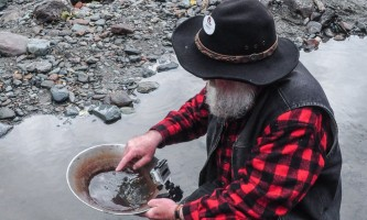 Historic gold mining panning adventure goldpanning1 Alaska Travel Adventures