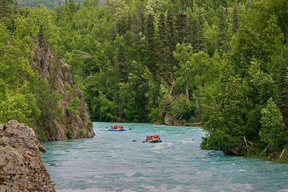 Float the glacially fed, turquoise Kenai River. Choose the 2-hour or 7-hour journey.