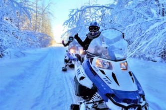Alaska Wildlife Guide Snowmobiling in Alaska thumbs up for snowmobiling 22019