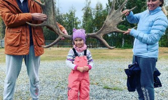 Liz Failor Tourist family alaska alaskan husky adventures