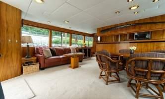 Alaskan luxury cruises Lounge