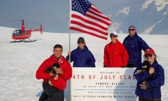 Alpine air dog sledding Alpine Air Dog Sledding Family Seward PC Taylor Hutchins2019
