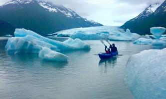 Glacier blue kayak GBK AM Col Dada PC Melanee Stiassny2019
