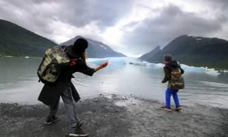 Spencer Glacier Float Skipping Rocks at Spencer Glacier PC Corey Anderson2019