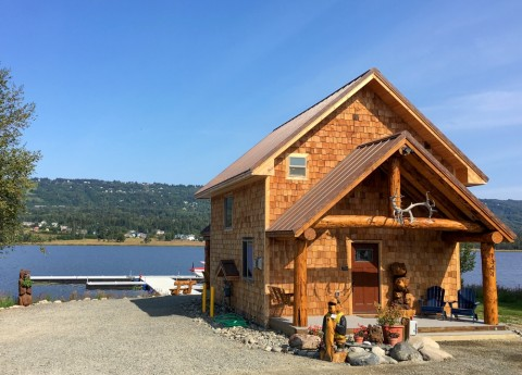 You'll check-in and debrief at Emerald Air Service's cozy lodge on Beluga Lake