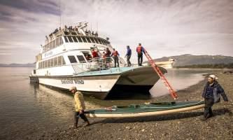 Glacier bay lodge GB boat kayak unload5 Alaska Channel