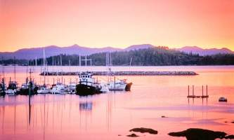 Glacier bay lodge GB marina sunset2 Alaska Channel