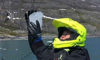 Glacier jetski adventures IMG 62982019