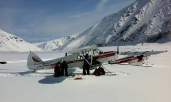 Golden eagle outfitters flightseeing air taxi loading2019
