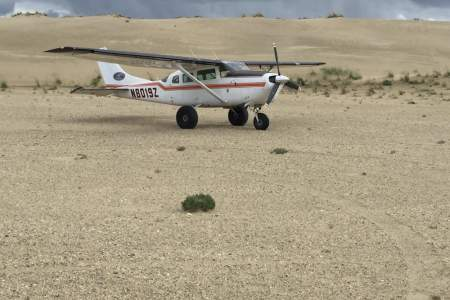 Golden Eagle Outfitters Flightseeing & Air Taxi