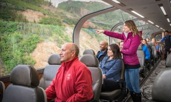 Princess rail tour Rail Guests looking out window large group rail 01 1200px SMALL2019
