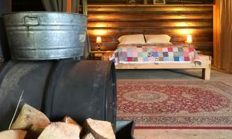 Leslie Paws for Adventure pics for Alaska Channel Tolovana Lodge guestroom copy