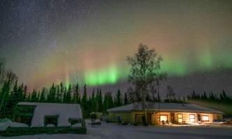 Leslie Paws for Adventure pics for Alaska Channel tolovana lodge aurora copy