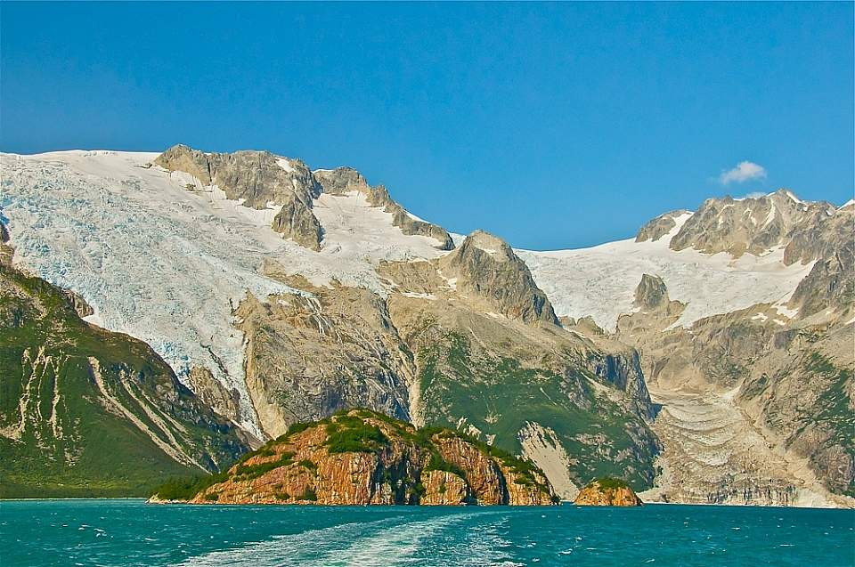 Cruise past glaciers in Kenai Fjords National Park