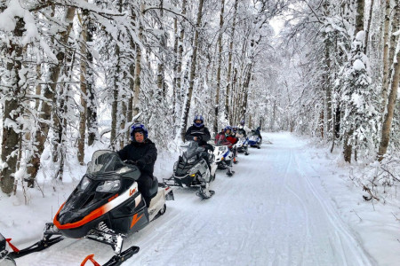 Snowhook Adventure Guides of Alaska: Snowmobile Tours